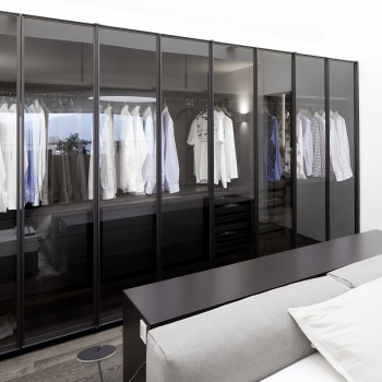 Porro - Linearity and elegance with Pull-out sliding wardrobe - Wien (Austria)