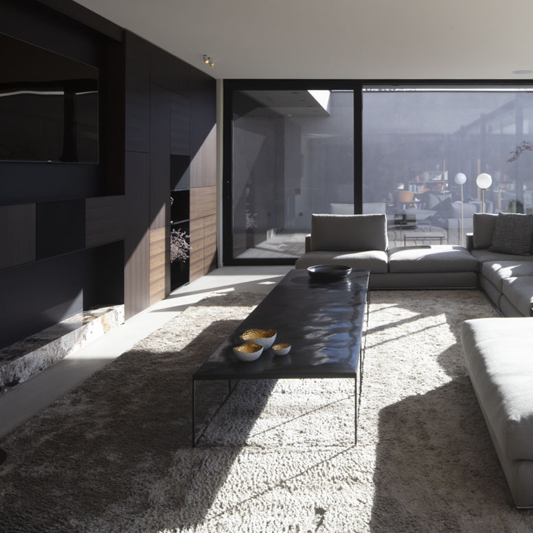 Porro, image:contract_immagini - Porro Spa - Porro's design in symbiosis with the Belgian nature
