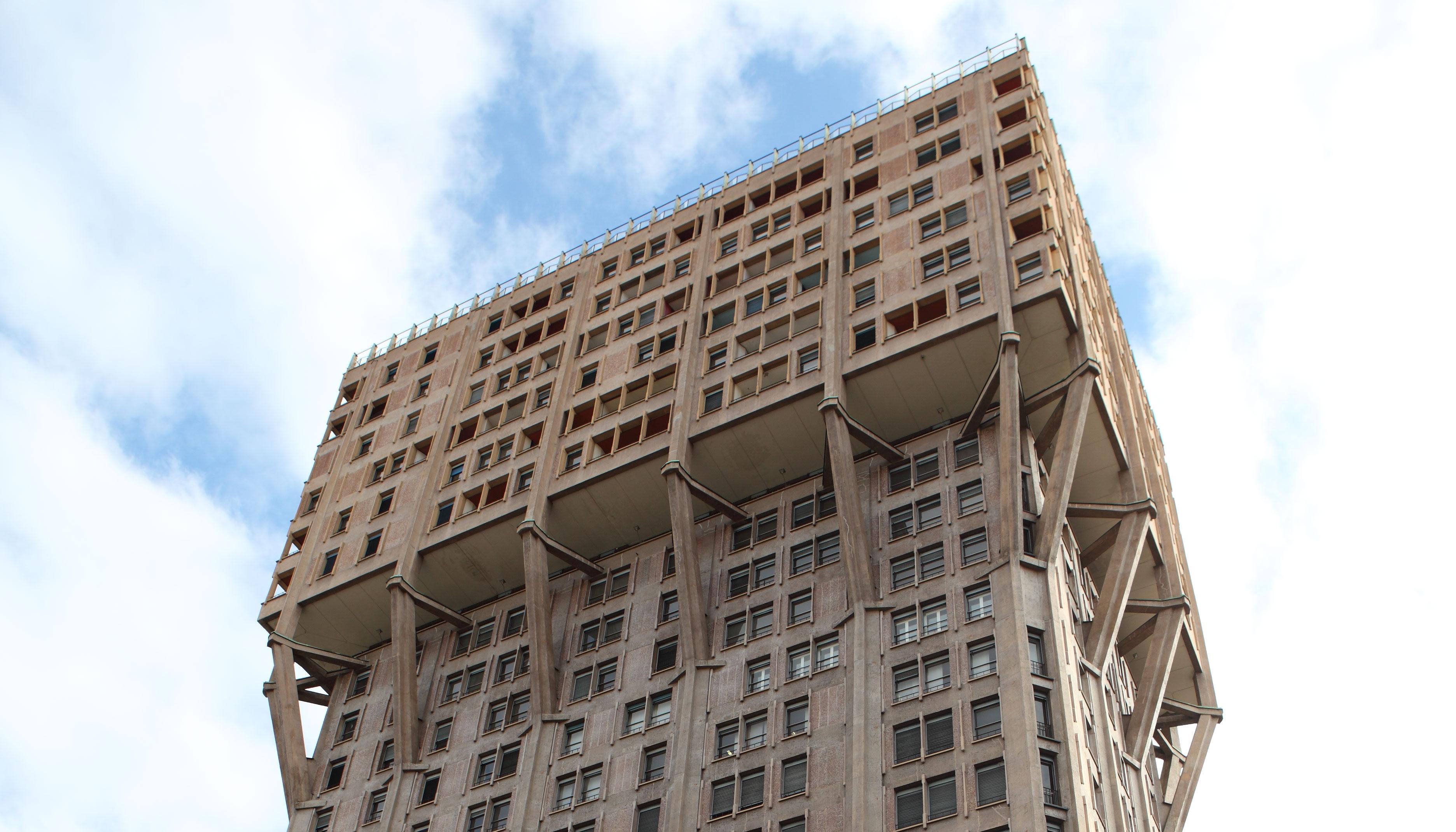 Porro - <p>RESIDENTIAL BUILDINGS: TORRE VELASCA– MILAN (ITALY)</p>