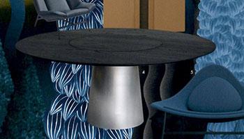 Porro - Il tavolo Materic inox sulla copertina di Elle Decor