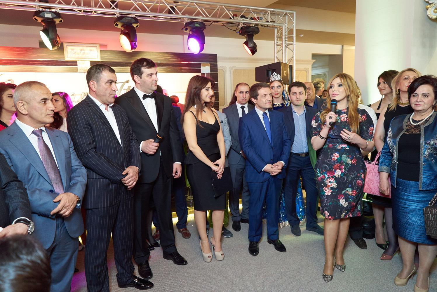 meet 03c6e 4daca Porro Spa | News | Events | New Porro showroom in Baku ...
