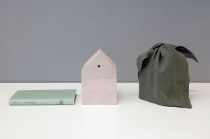 Porro, image:news_immagini - Porro Spa - Porro presents HYLE, the bookmark-house made of poplar<br /><br />