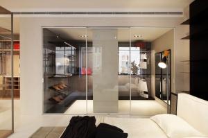 Porro, image:news_immagini - Porro Spa - 2021 News: Glide doors by Piero Lissoni + Iaco Design Studio - Interview