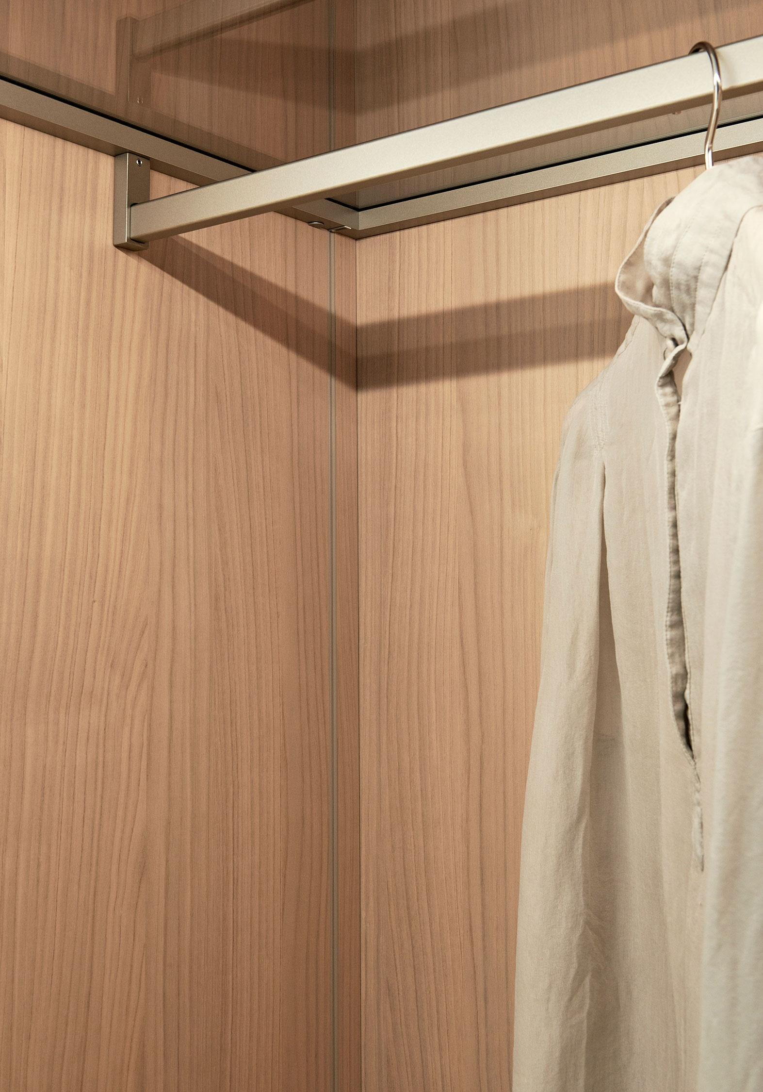 Porro, image:STORAGE white cherry, designed by: Piero Lissoni + CRS -