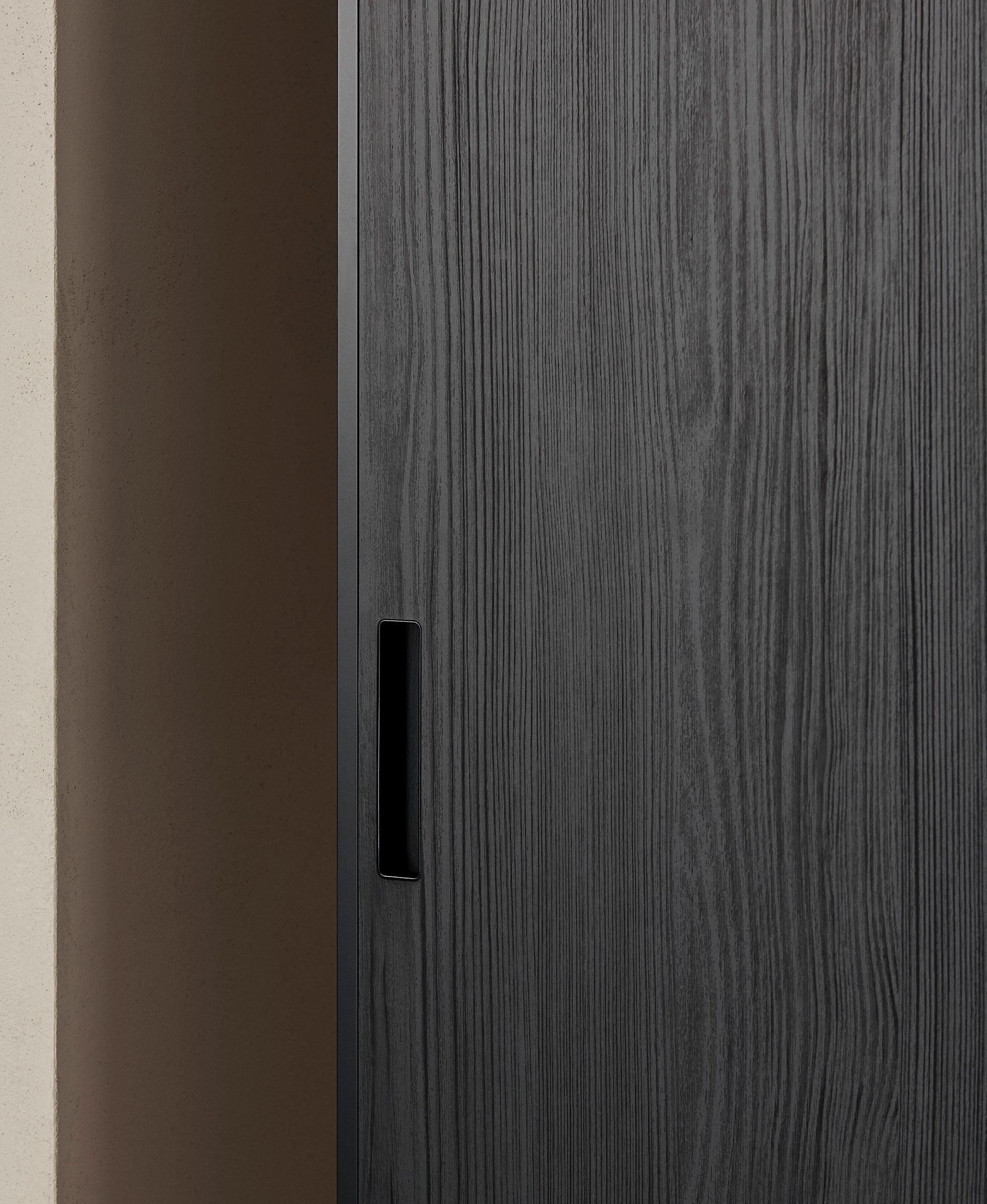 Porro, image:GLIDE, designed by: Piero Lissoni + Iaco Design Studio -